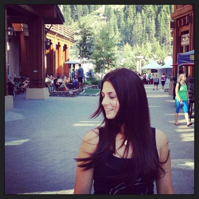 Jenna Muller  | Social Profile