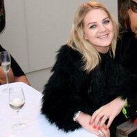 Jenna Hewitt | Social Profile