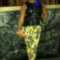 Queen Afrique   Social Profile