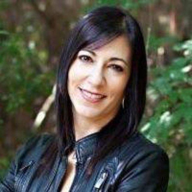 Rochelle Griffin Social Profile
