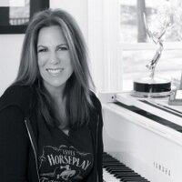 Victoria Shaw | Social Profile