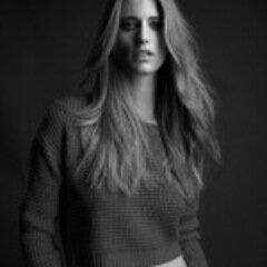 Julie Henderson Social Profile