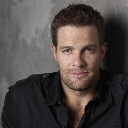 Geoff Stults Social Profile