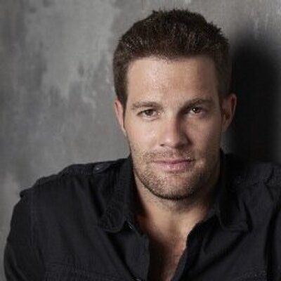 Geoff Stults | Social Profile