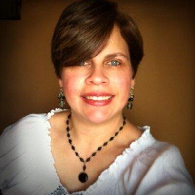 Cynthia Medina | Social Profile