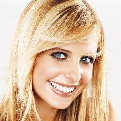 Sarah Michelle   Social Profile
