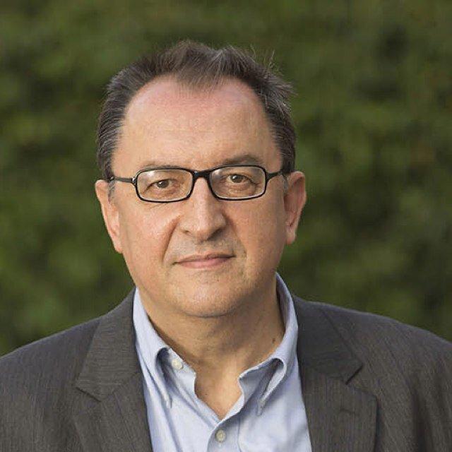 Lluís Bassets Social Profile