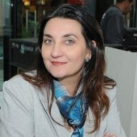 Renata Ruiz | Social Profile