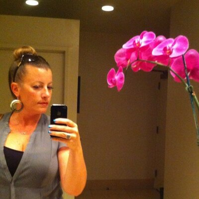Laila M-J | Social Profile