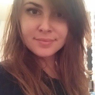 Alicia | ❤  | Social Profile