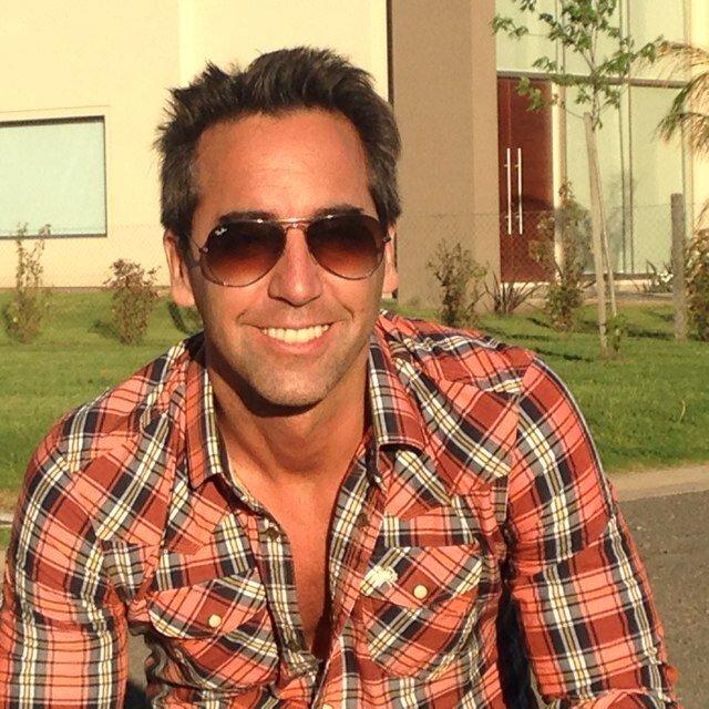 Ignacio Calviño Social Profile