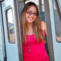 Nikki Villoria  | Social Profile