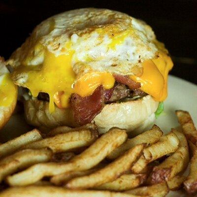 Short's Burger&Shine | Social Profile