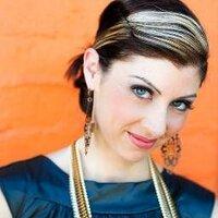 Andrea N De La Cerda | Social Profile
