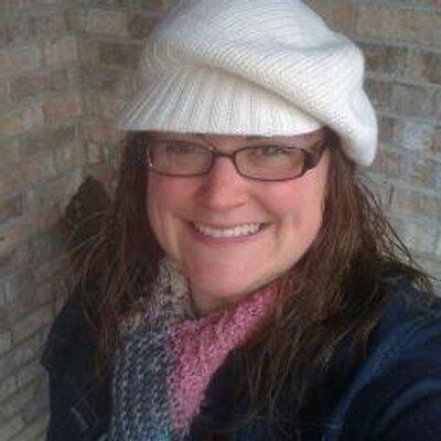 Katie Warren | Social Profile