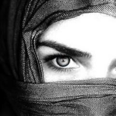 نون عربية Social Profile
