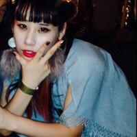 瑠衣 | Social Profile