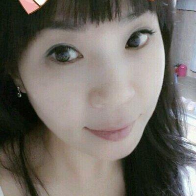 창가의 토토♥ | Social Profile