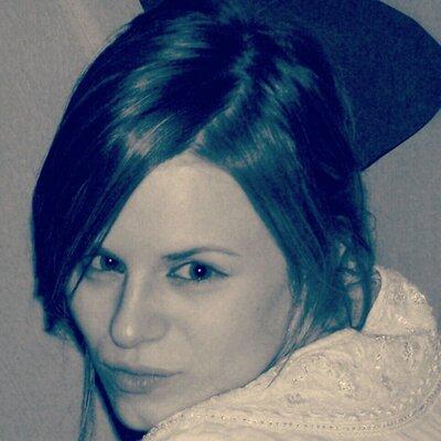 Amellia Ferrara | Social Profile