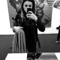 Lauren Pons | Social Profile