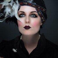 Scarlet Wilde | Social Profile