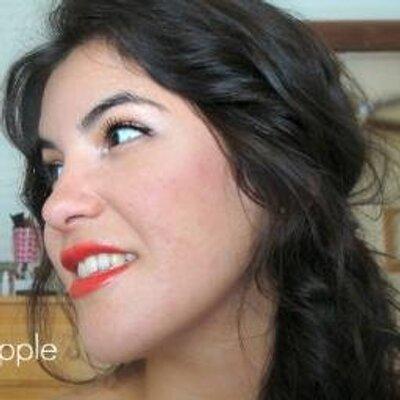 Maca Barnes  | Social Profile