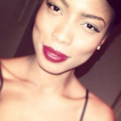 Tashia Roberts   Social Profile