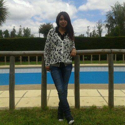 camila aravena   Social Profile