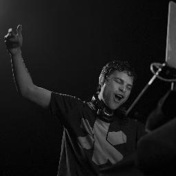 DJ Earworm Social Profile