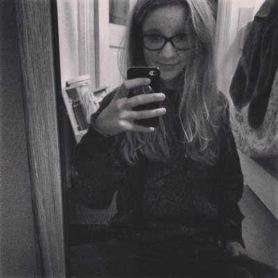 Emily ☯ | Social Profile
