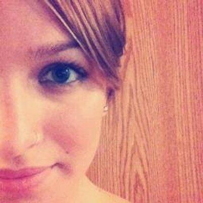 Laura Medina | Social Profile