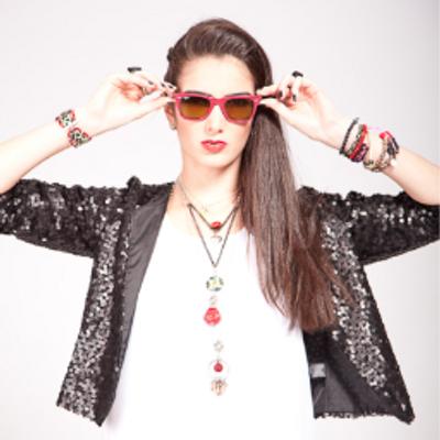 Adri Vasini | Social Profile