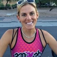 Hillary Biscay | Social Profile