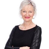 Jeanette Kelly  | Social Profile