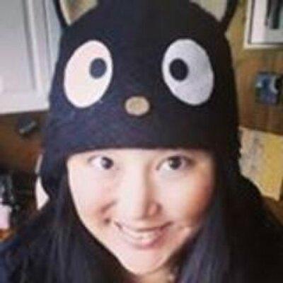 Carolyn Tang Kmet | Social Profile
