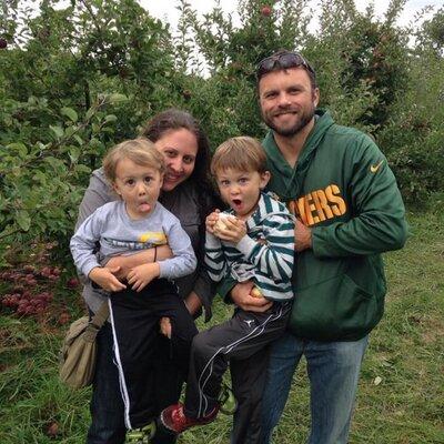 lindsay feitlinger | Social Profile