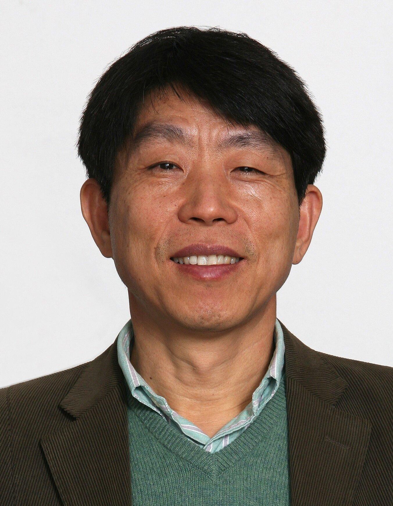 강신철 Social Profile
