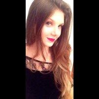 Isabella Caldeira | Social Profile