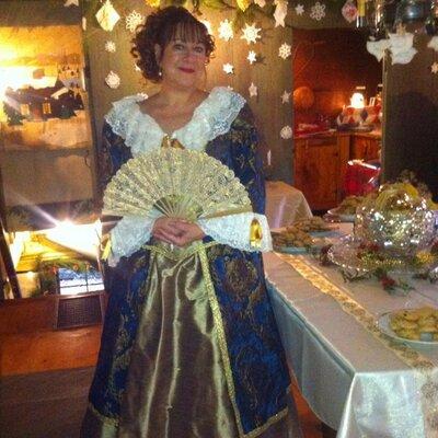 Deborah Courville | Social Profile
