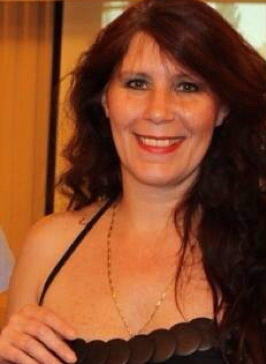 Donnette Davis Social Profile