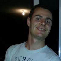 Nicolas F.   Social Profile