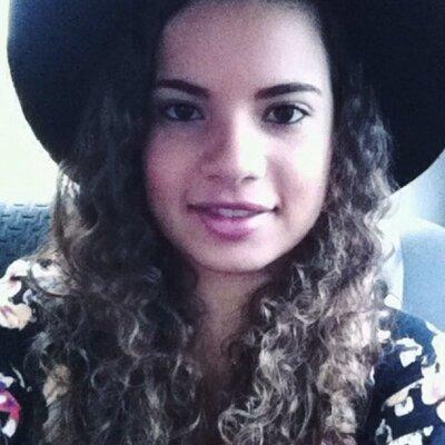 Amanda Andrade | Social Profile