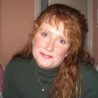 Robyne Lewis   Social Profile