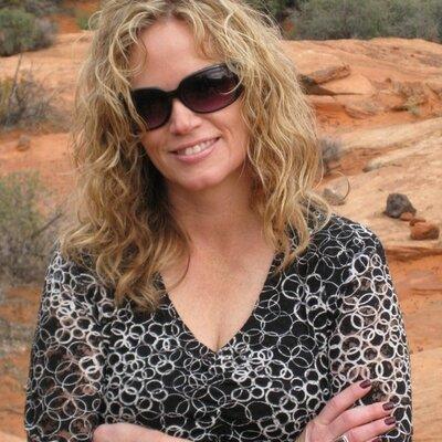 Andrea Warner | Social Profile