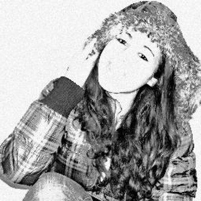 Nuri Alba  | Social Profile