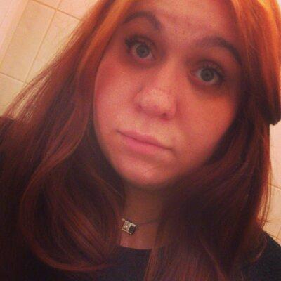 Thanise Weingaertner | Social Profile
