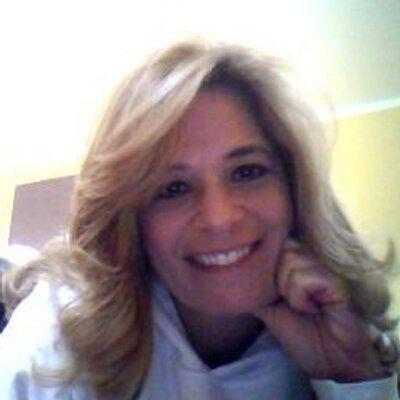 Suzanne Vara | Social Profile