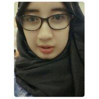 devi emilia  | Social Profile