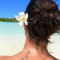 Emmanuelle Salinas | Social Profile