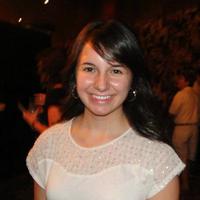 Alexandra R | Social Profile